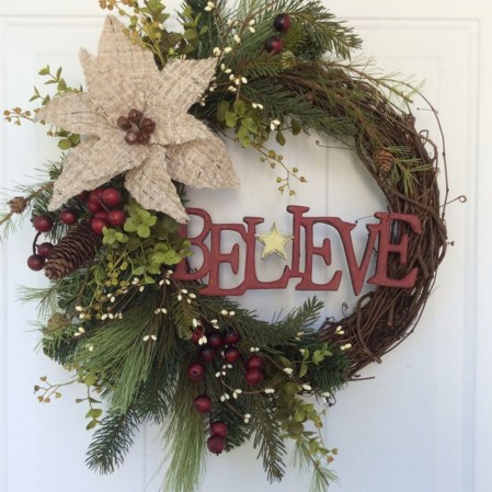 Elegant Rustic Christmas Wreaths Decoration Ideas To Celebrate Your Holiday 06