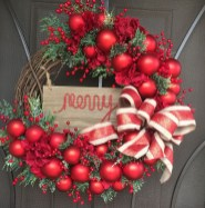 Elegant Rustic Christmas Wreaths Decoration Ideas To Celebrate Your Holiday 09