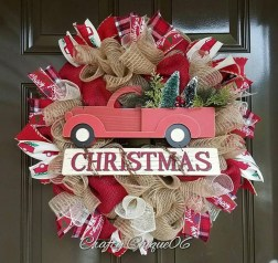Elegant Rustic Christmas Wreaths Decoration Ideas To Celebrate Your Holiday 12