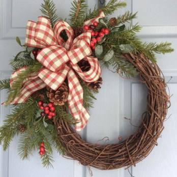 Elegant Rustic Christmas Wreaths Decoration Ideas To Celebrate Your Holiday 16