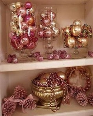 Gorgeous Pink And Gold Christmas Decoration Ideas 38