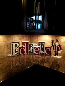 Inspiring Christmas Decoration Ideas For Your Apartment 02