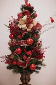 Inspiring Home Decoration Ideas With Small Christmas Tree 04