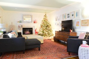 Inspiring Home Decoration Ideas With Small Christmas Tree 14