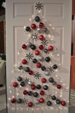 Inspiring Home Decoration Ideas With Small Christmas Tree 33