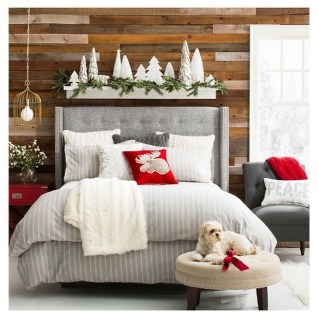 Simple Christmas Bedroom Decoration Ideas 08
