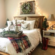 Simple Christmas Bedroom Decoration Ideas 09