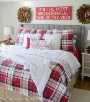 Simple Christmas Bedroom Decoration Ideas 17