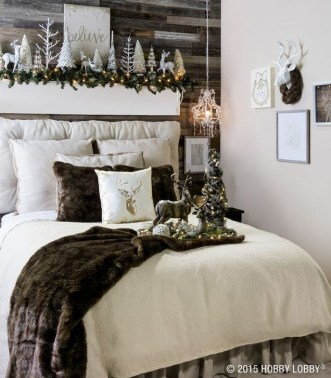 Simple Christmas Bedroom Decoration Ideas 21