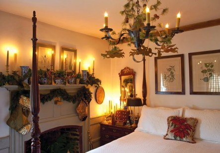 Simple Christmas Bedroom Decoration Ideas 26