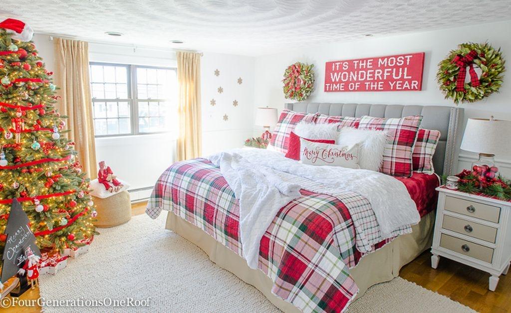 Simple Christmas Bedroom Decoration Ideas 28