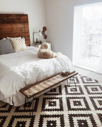 Stunning Black And White Bedroom Decoration Ideas 04