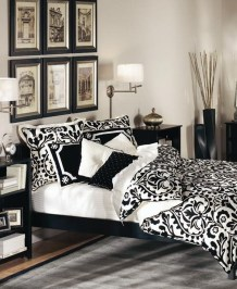 Stunning Black And White Bedroom Decoration Ideas 27