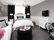 Stunning Black And White Bedroom Decoration Ideas 28