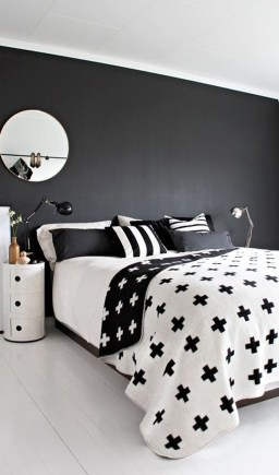 Stunning Black And White Bedroom Decoration Ideas 30