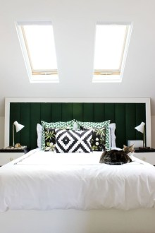 Stunning Black And White Bedroom Decoration Ideas 37