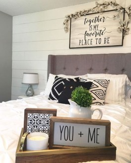 Stunning Black And White Bedroom Decoration Ideas 40