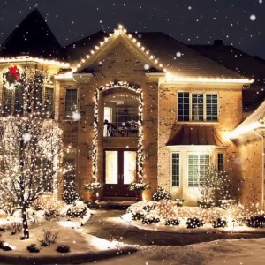 Totally Inspiring Christmas Lighting Ideas You Should Try For Your Home 11