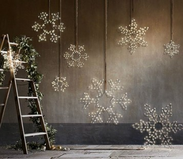Totally Inspiring Christmas Lighting Ideas You Should Try For Your Home 38