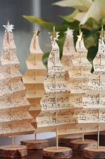 Totally Inspiring Farmhouse Christmas Decoration Ideas To Makes Your Home Stands Out 08