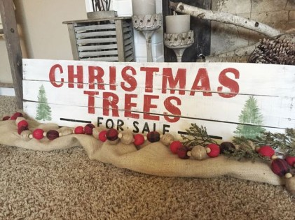 Totally Inspiring Farmhouse Christmas Decoration Ideas To Makes Your Home Stands Out 09