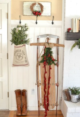 Totally Inspiring Farmhouse Christmas Decoration Ideas To Makes Your Home Stands Out 11