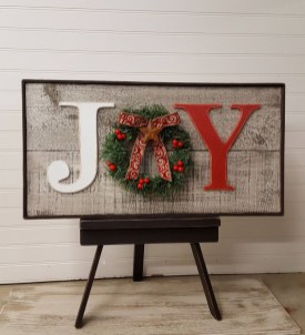 Totally Inspiring Farmhouse Christmas Decoration Ideas To Makes Your Home Stands Out 35