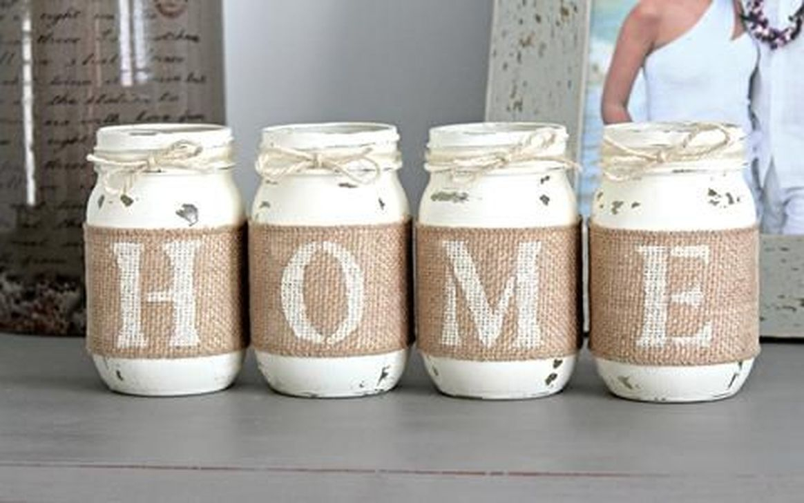Totally Inspiring Farmhouse Christmas Decoration Ideas To Makes Your Home Stands Out 41
