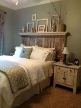 37 Cozy Rustic Bedroom Design Ideas 19