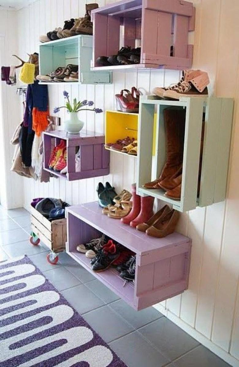 38 Brilliant Hallway Storage Decoration Ideas01