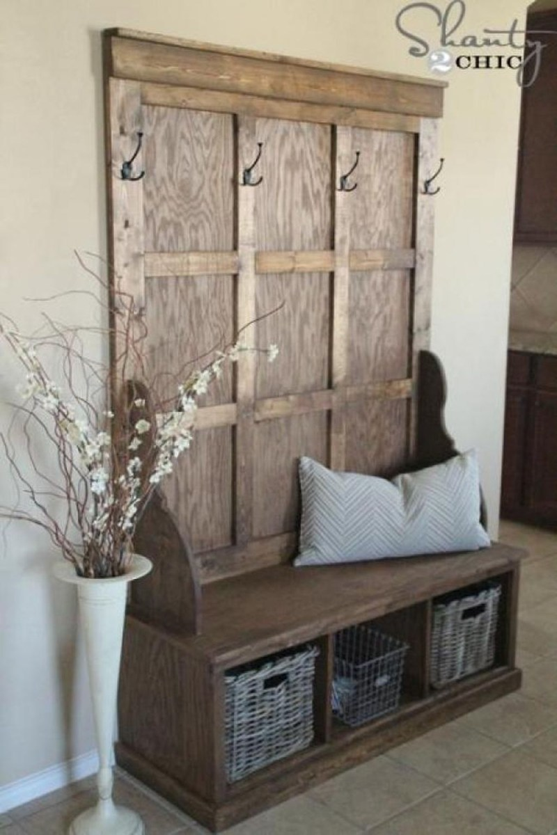 38 Brilliant Hallway Storage Decoration Ideas12