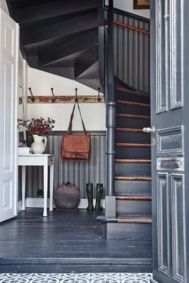38 Brilliant Hallway Storage Decoration Ideas14