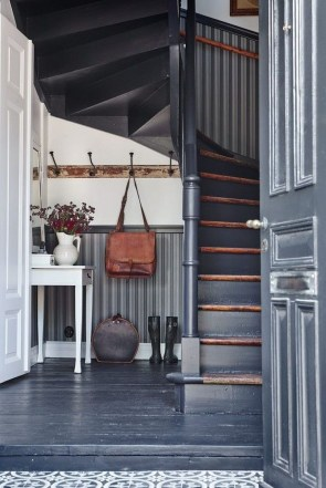 38 Brilliant Hallway Storage Decoration Ideas14