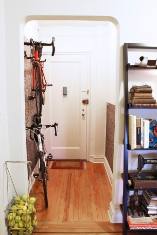 38 Brilliant Hallway Storage Decoration Ideas33