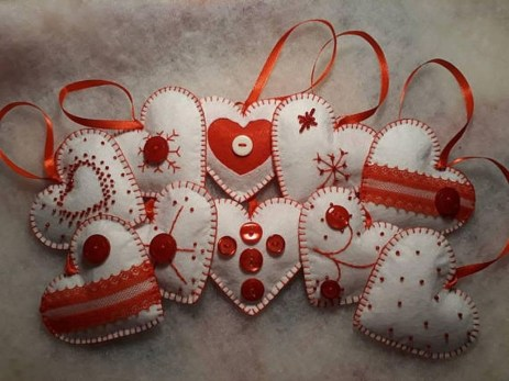 39 Brilliant Ideas How To Use Felt Ornaments For Christmas Tree Decoration 03