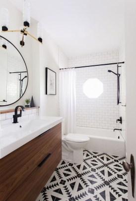 39 Cool And Stylish Small Bathroom Design Ideas24