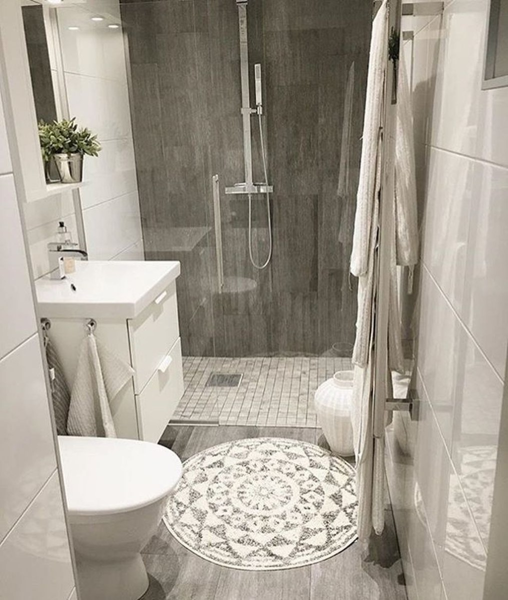 39 cool and stylish small bathroom design ideas homedecorish for Small 1 2 bathroom decorating ideas