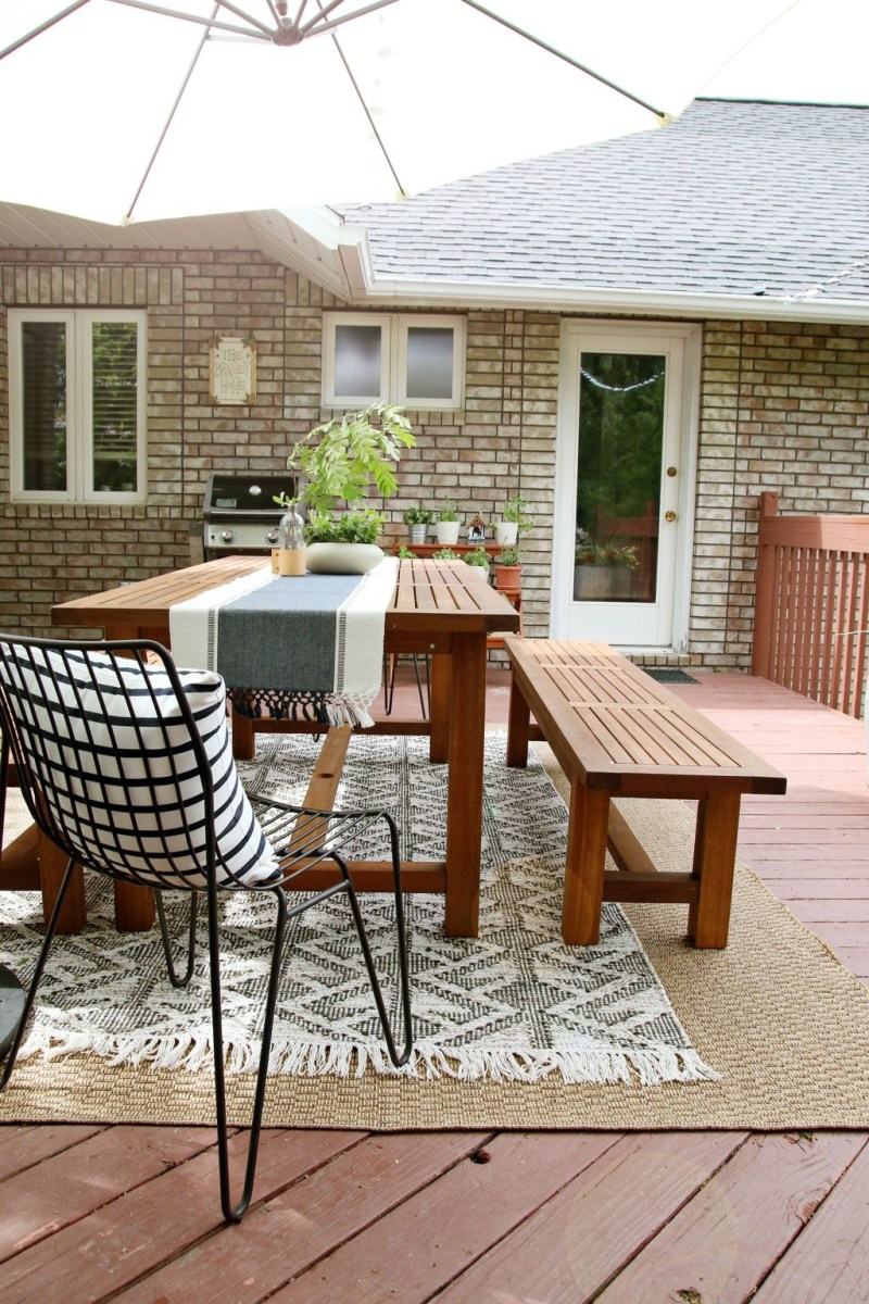 Adorable Outdoor Dining Area Furniture Ideas 08