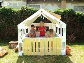 Awesome Outdoor Kids Playhouses That Youll Want To Live Yourself 26