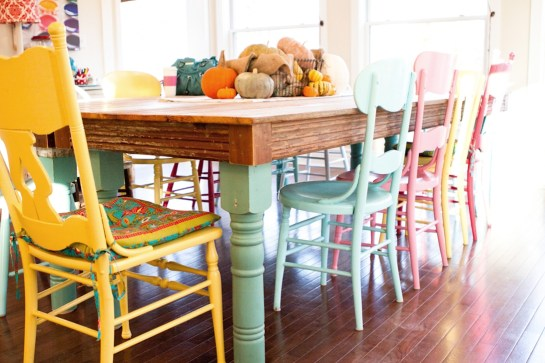 Bright And Colorful Dining Room Design Ideas 36