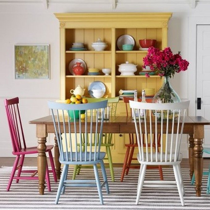 Bright And Colorful Dining Room Design Ideas 39