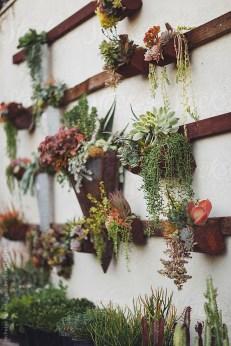 Cool Indoor Vertical Garden Design Ideas 17