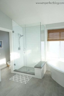Cool Small Master Bathroom Remodel Ideas 20
