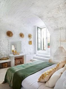 Elegant Rustic Bedroom Brick Wall Decoration Ideas 51