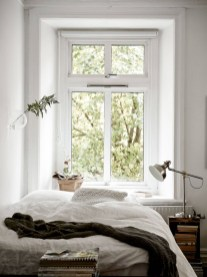 Modern And Stylish Scandinavian Bedroom Decoration Ideas 09
