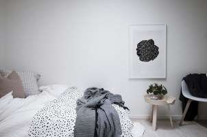 Modern And Stylish Scandinavian Bedroom Decoration Ideas 27
