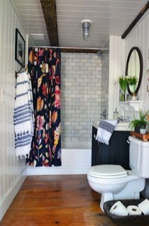 Simple And Cozy Wooden Bathroom Remodel Ideas 02