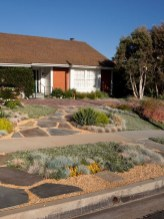 Totally Beautiful Front Yard Landscaping Ideas On A Budget 14