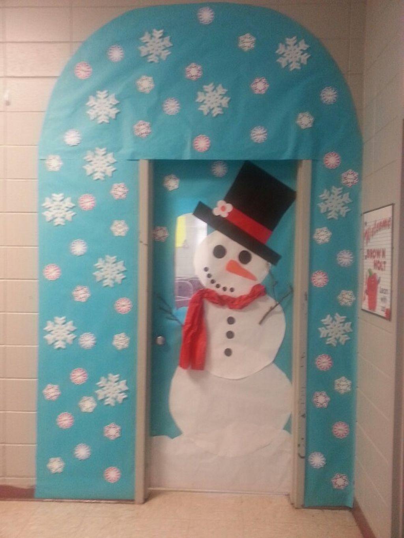 Adorable Winter Classroom Door Decoration Ideas 03