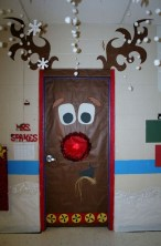 Adorable Winter Classroom Door Decoration Ideas 18